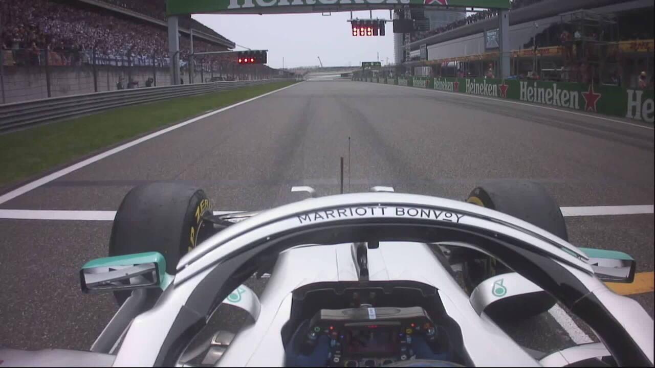 A largada de Valtteri Bottas no GP da China pela câmera onboard