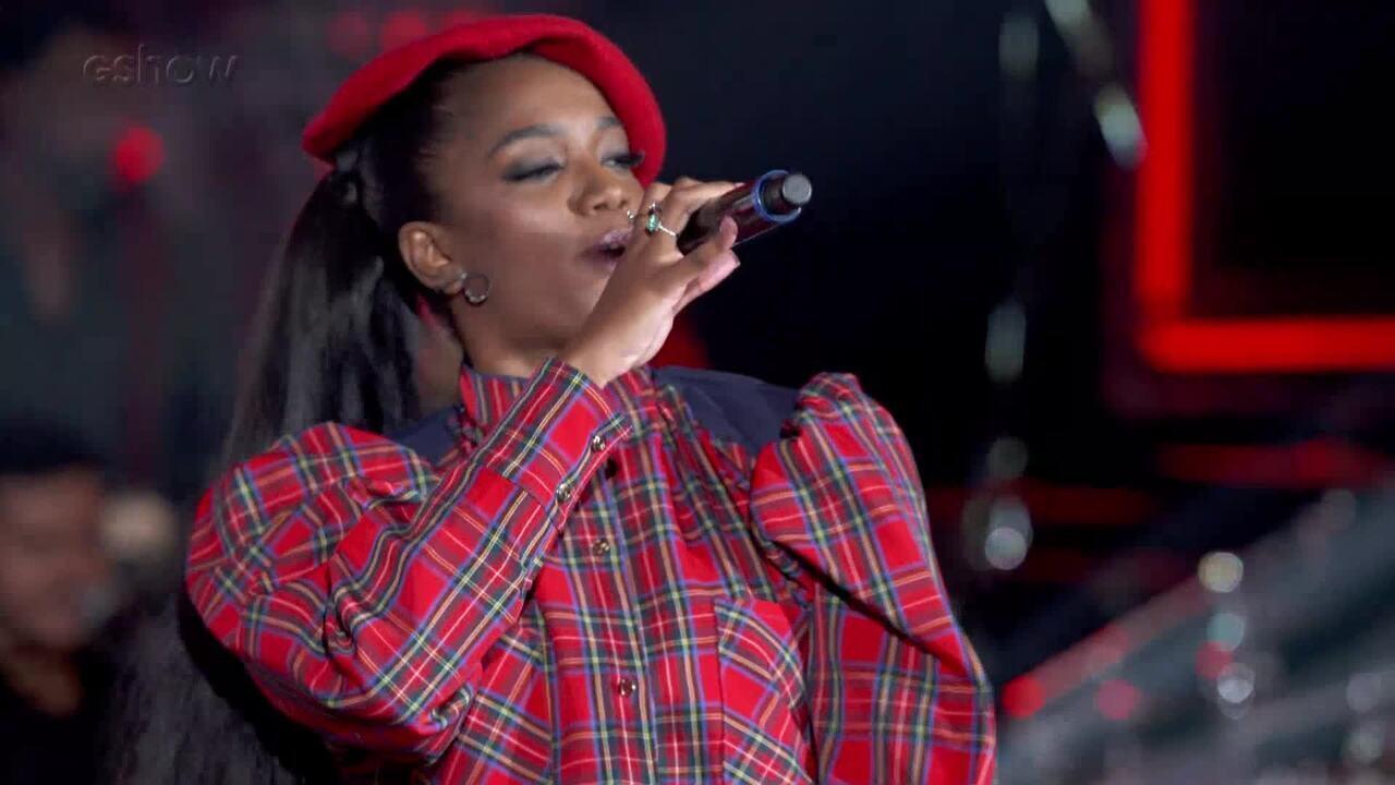IZA canta 'Pesadão' no 'SóTocaTop'