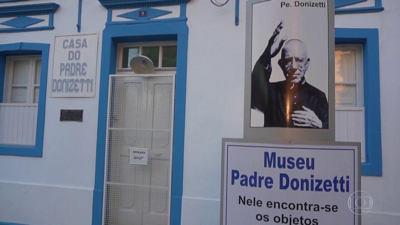 Fantástico conta a história que deve levar à beatificação do padre Donizetti