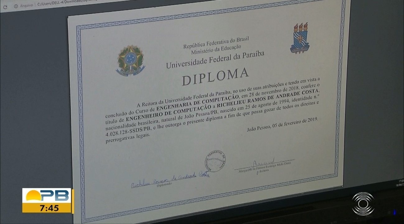 Estudantes da UFPB substituem o diploma de papel por diploma digital