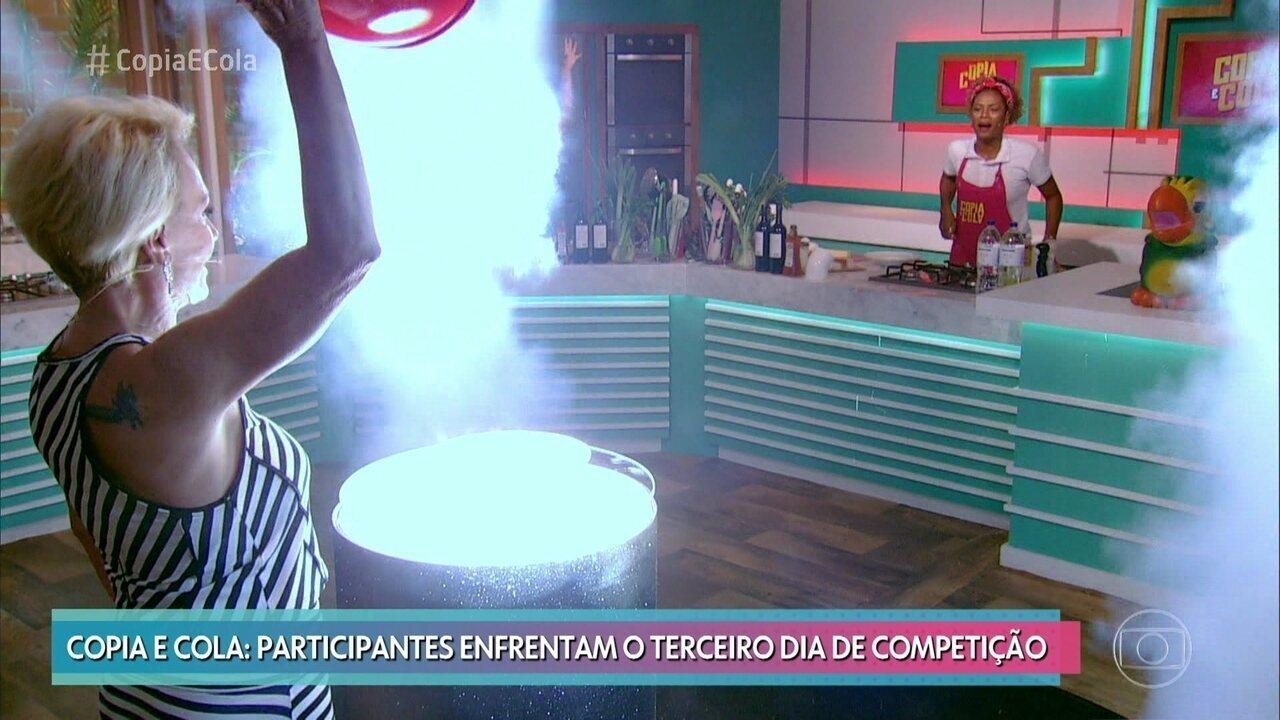 Ana Maria apresenta o prato a ser copiado na terceira prova do 'Copia e Cola'