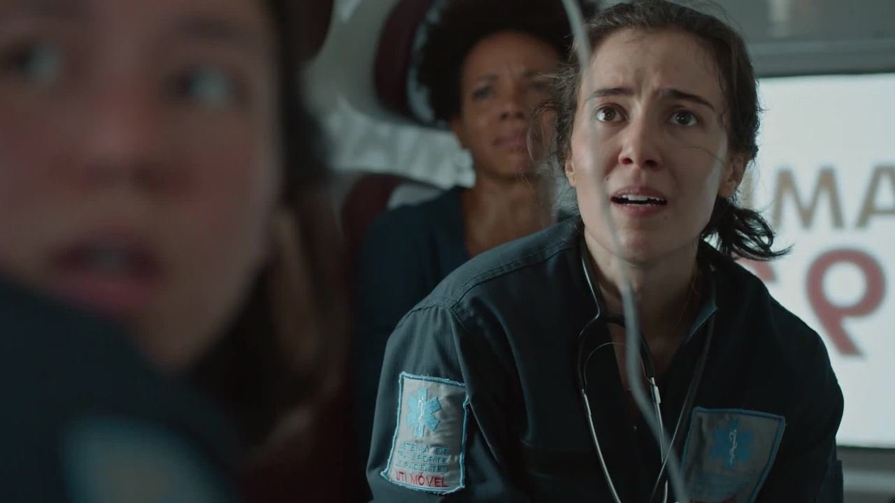 A rotina caótica da Saúde na 3º temporada de 'Sob Pressão'; confira o trailer