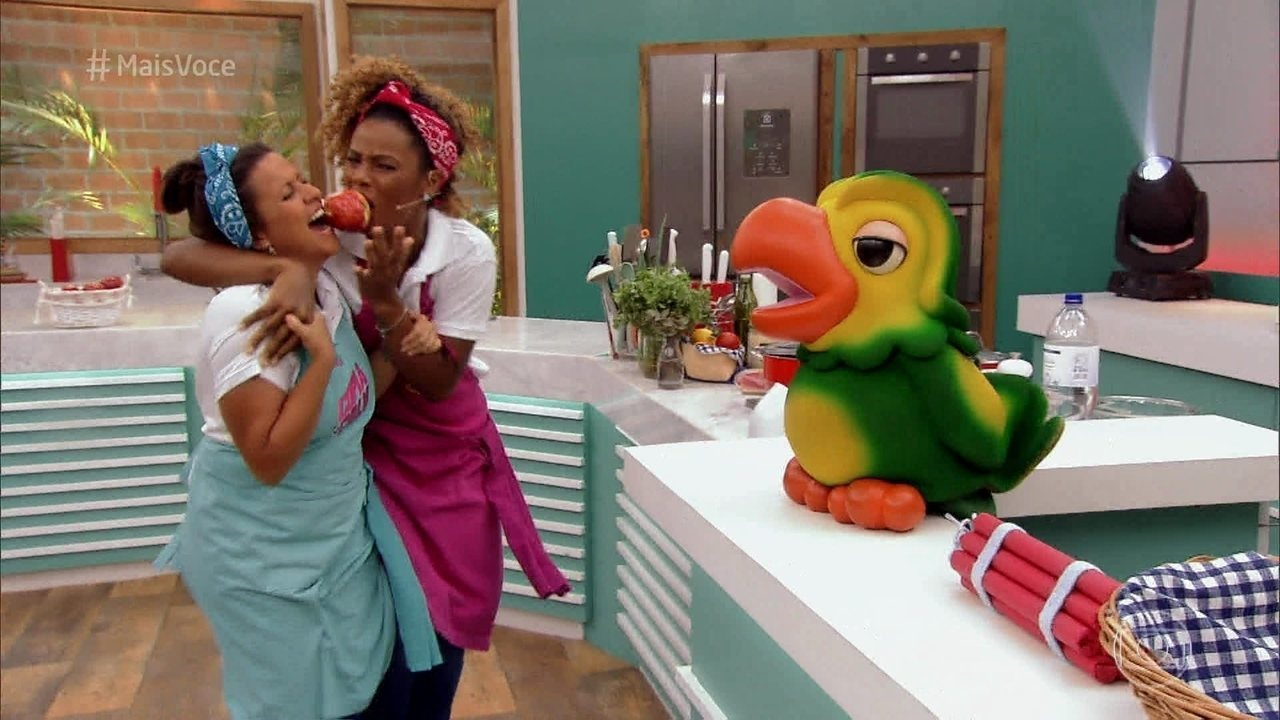Camila e Tai começam a preparar a receita