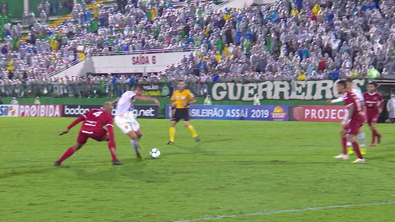 Os gols de Chapecoense 2 x 0 Internacional pela 1ª rodada do Brasileirão 2019