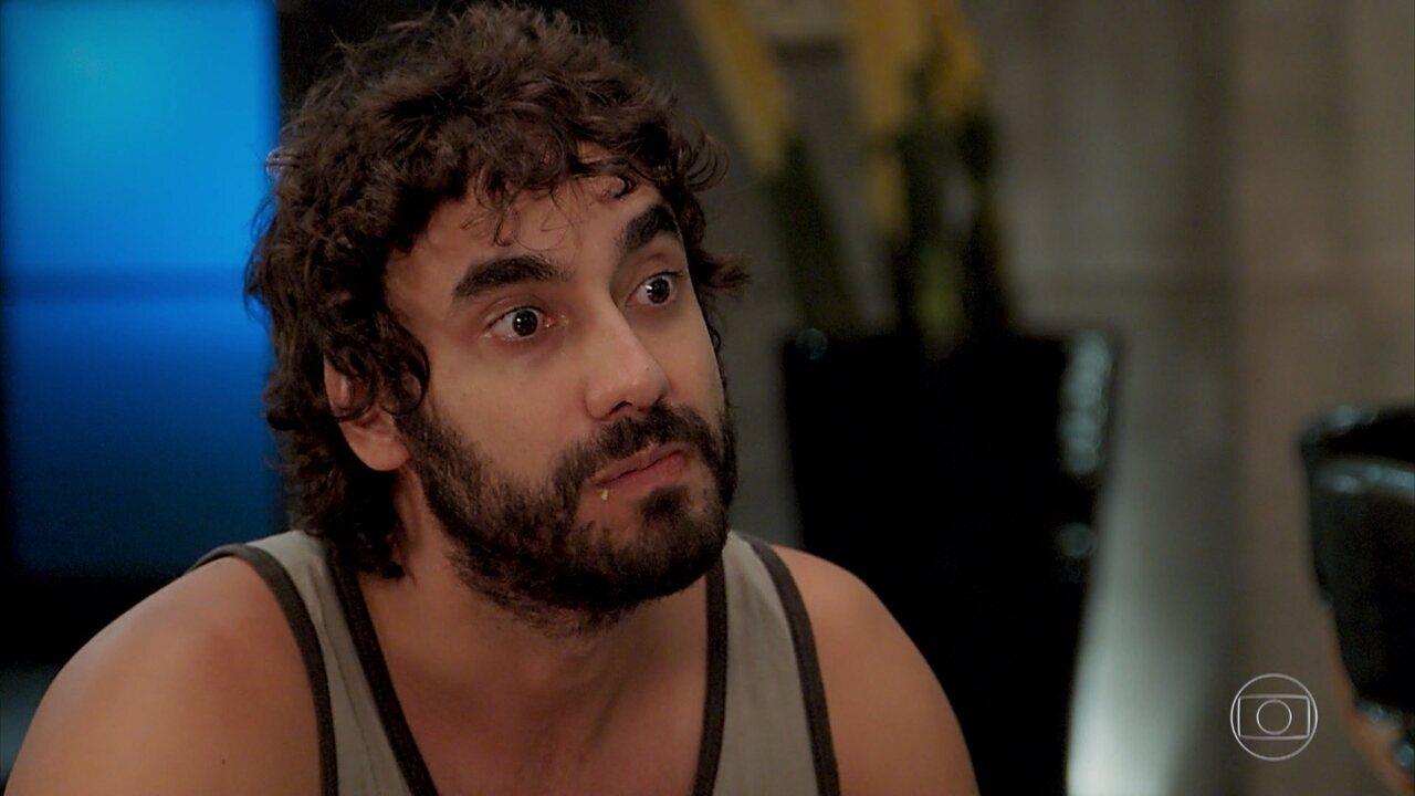 Galdino conta que namorou Chayene