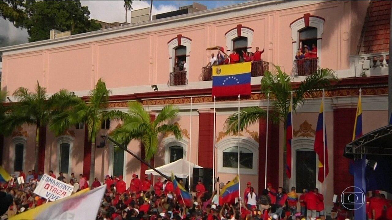 Venezuela é um país dividido entre chavistas e os opositores