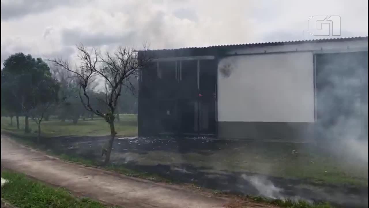Subestação de enrgia da UFES pega fogo em Vitória