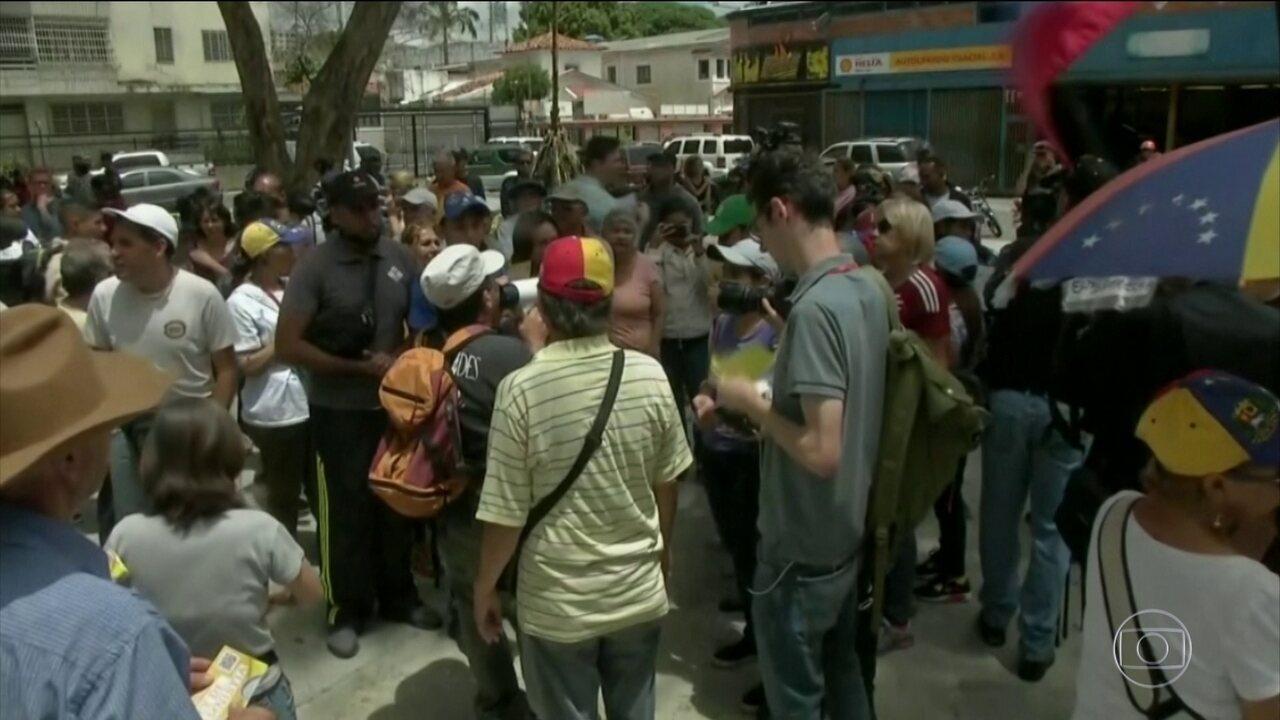 Guaidó convoca venezuelanos a marcharem até os principais quartéis do país