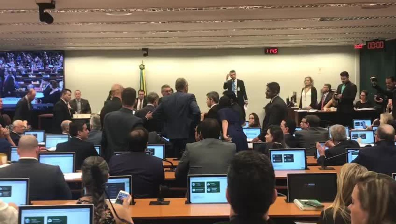 Tumulto entre deputados durante audiência pública com o ministro Sérgio Moro