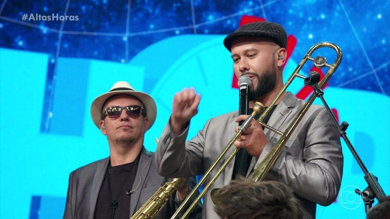 Banda Big Time Orchestra se apresenta no Altas Horas