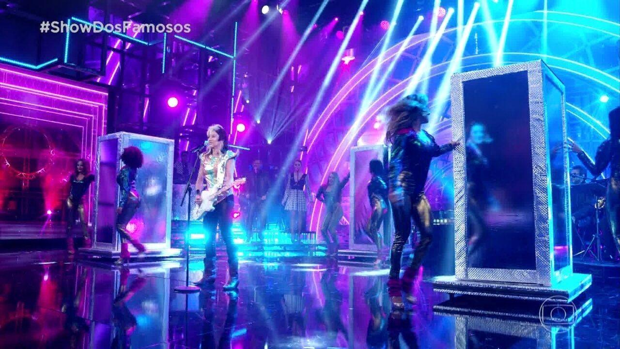 Danielle Winits homenageia Pepeu Gomes no Show dos Famosos