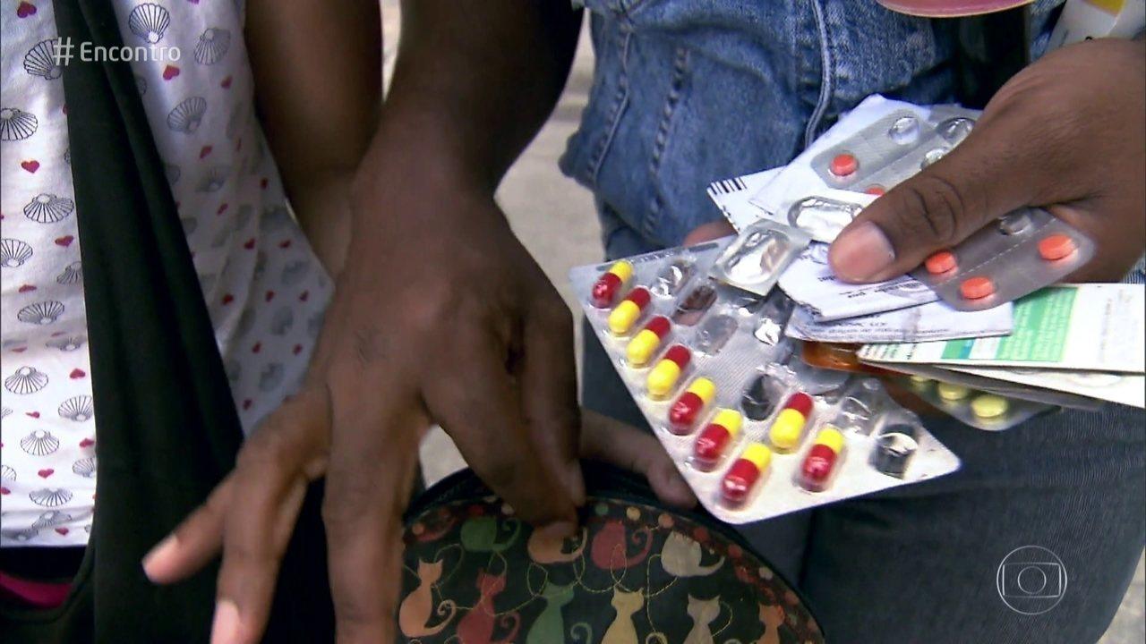 Carregar remédios na bolsa pode levar a uma série de problemas