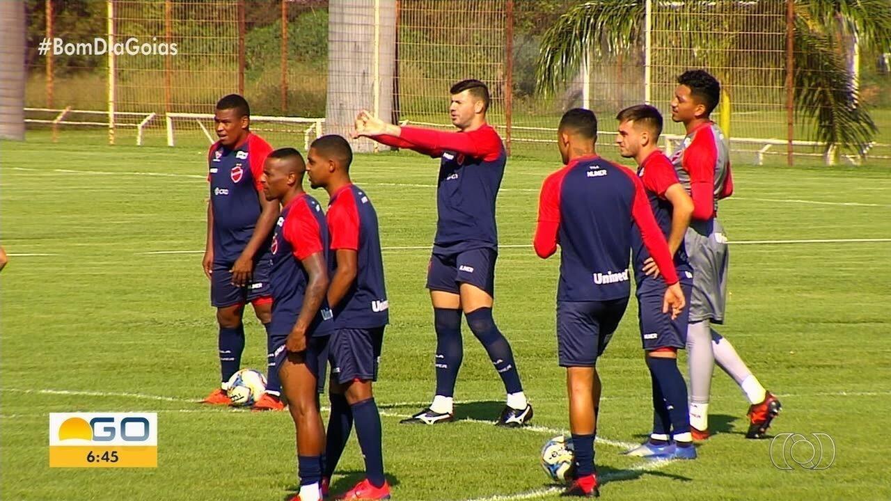 Vila Nova enfrenta o líder da Série B e pode ter o retorno de Wesley Matos