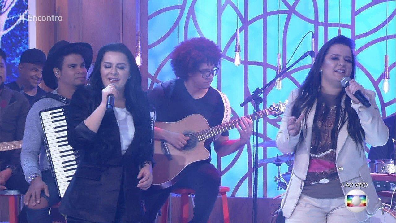 Maiara e Maraisa cantam 'Não abro mão'