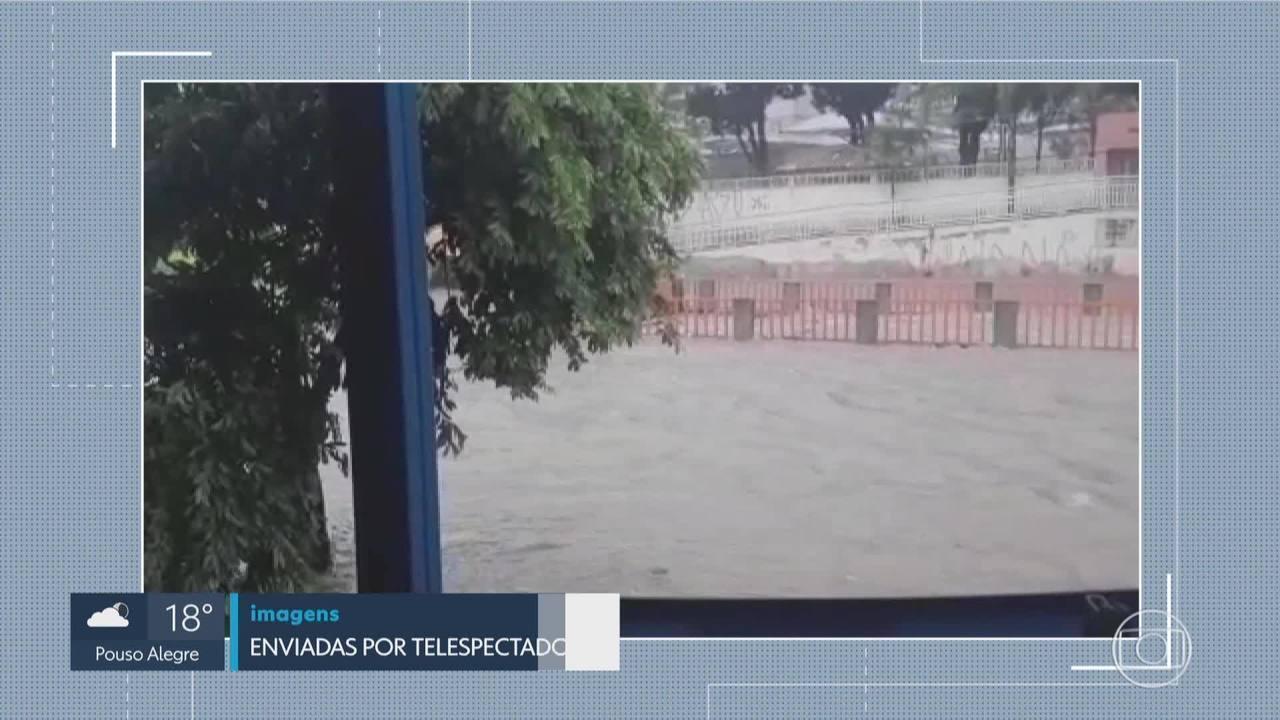 Inundação na Avenida Vilarinho, em Venda Nova, nesta quarta-feira (15)
