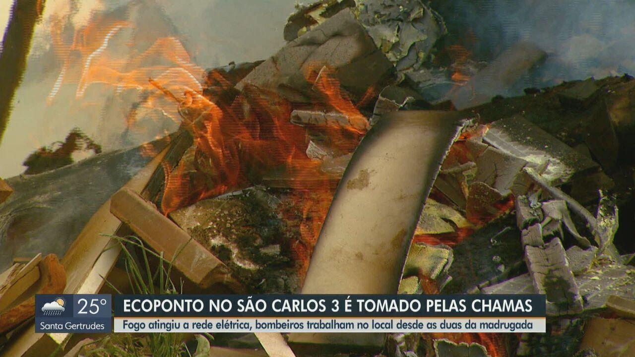 Ecoponto no bairro São Carlos 3 pega fogo em São Carlos