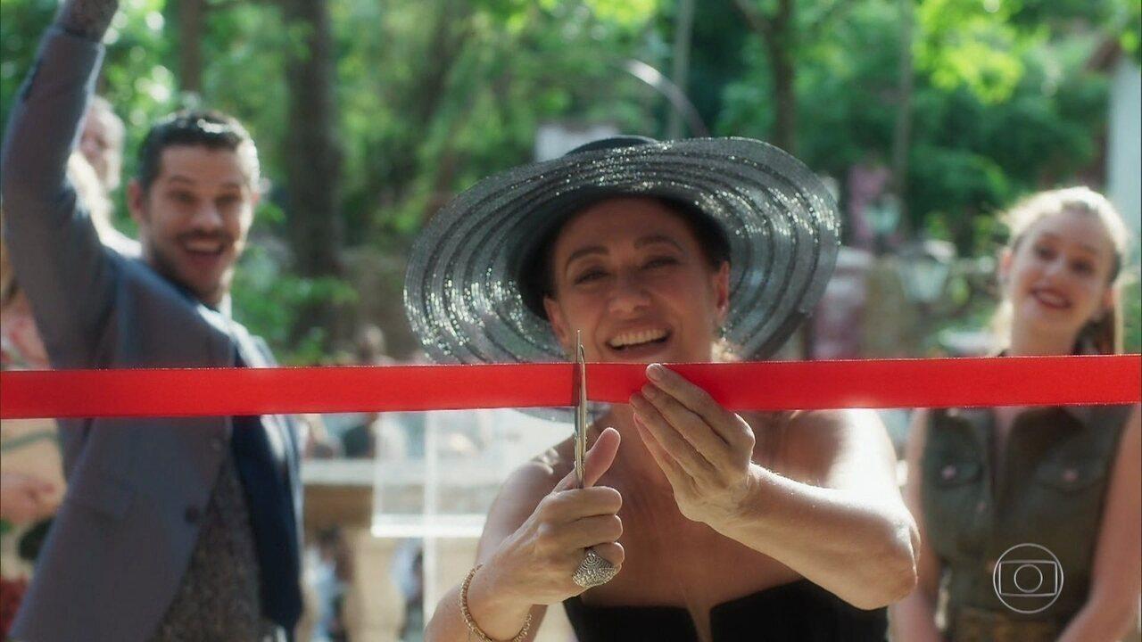 Valentina inaugura a Fundação Gabriel Marsalla