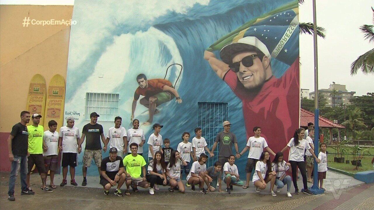 Adriano de Souza, o Mineirinho, é homenageado com painel em Mongaguá
