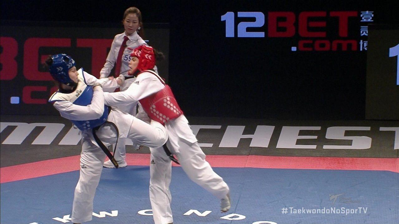 Caroline Santos fica com a prata no Mundial de taekwondo
