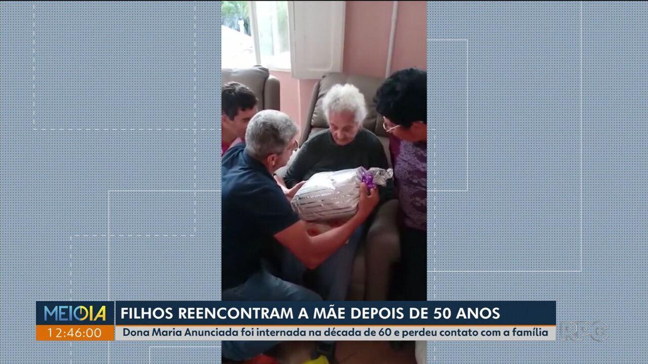 Depois de 50 anos, filhos reencontram mãe