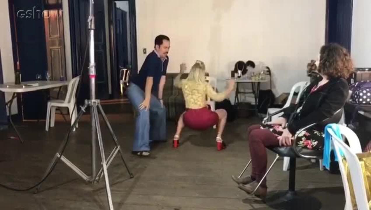 Letícia Colin e Edmilson Filho dançam funk nos bastidores de 'Cine Holliúdy'