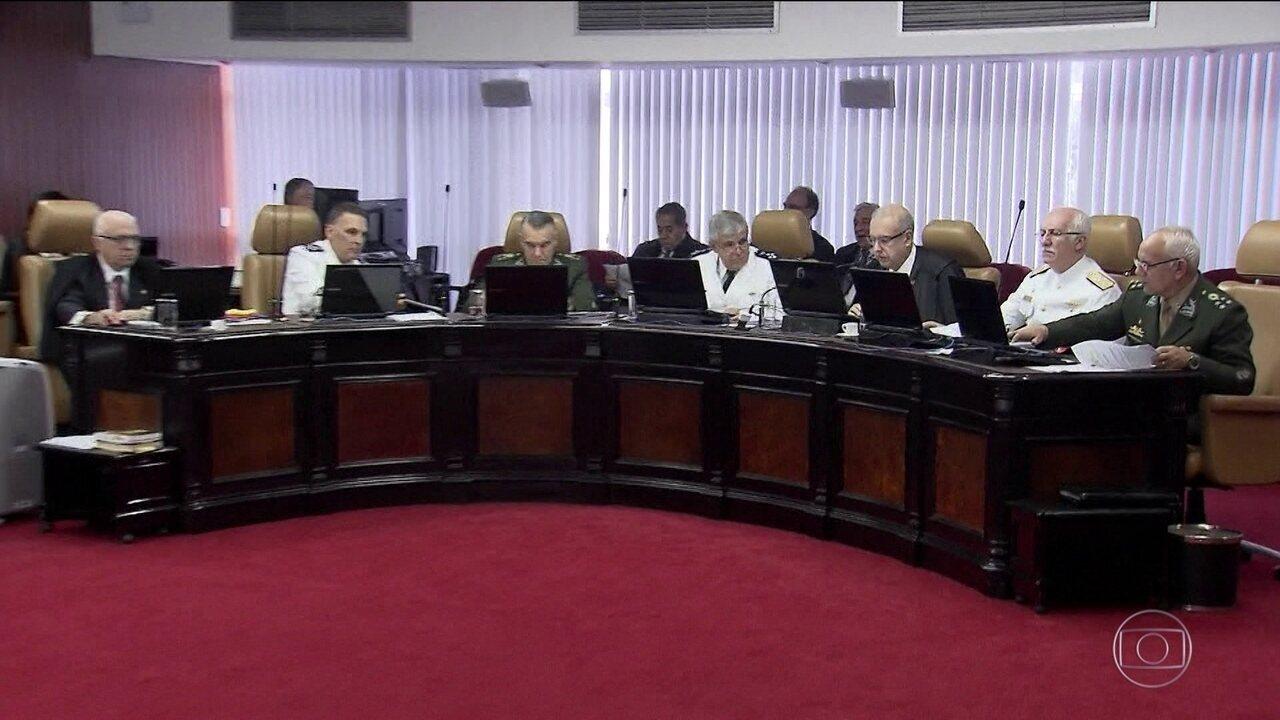 Tribunal solta militares envolvidos em fuzilamento com mortes no Rio