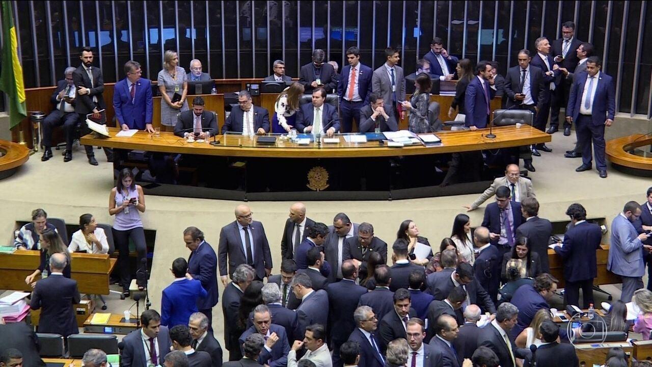 Câmara derruba projeto que restringe atuação de auditores fiscais