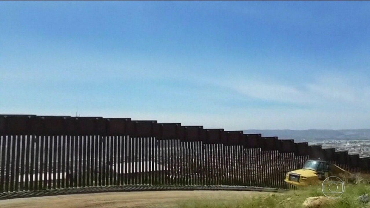 Juiz Federal dos EUA bloqueia parte de dinheiro que Trump quer usar para erguer muro