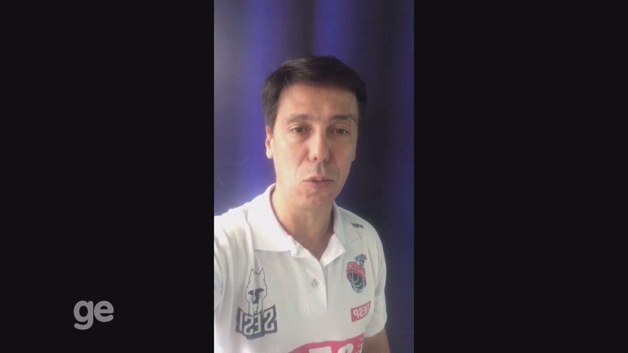 Técnico Helinho do Franca Basquete explica problemas no voo da equipe até o Rio de Janeiro