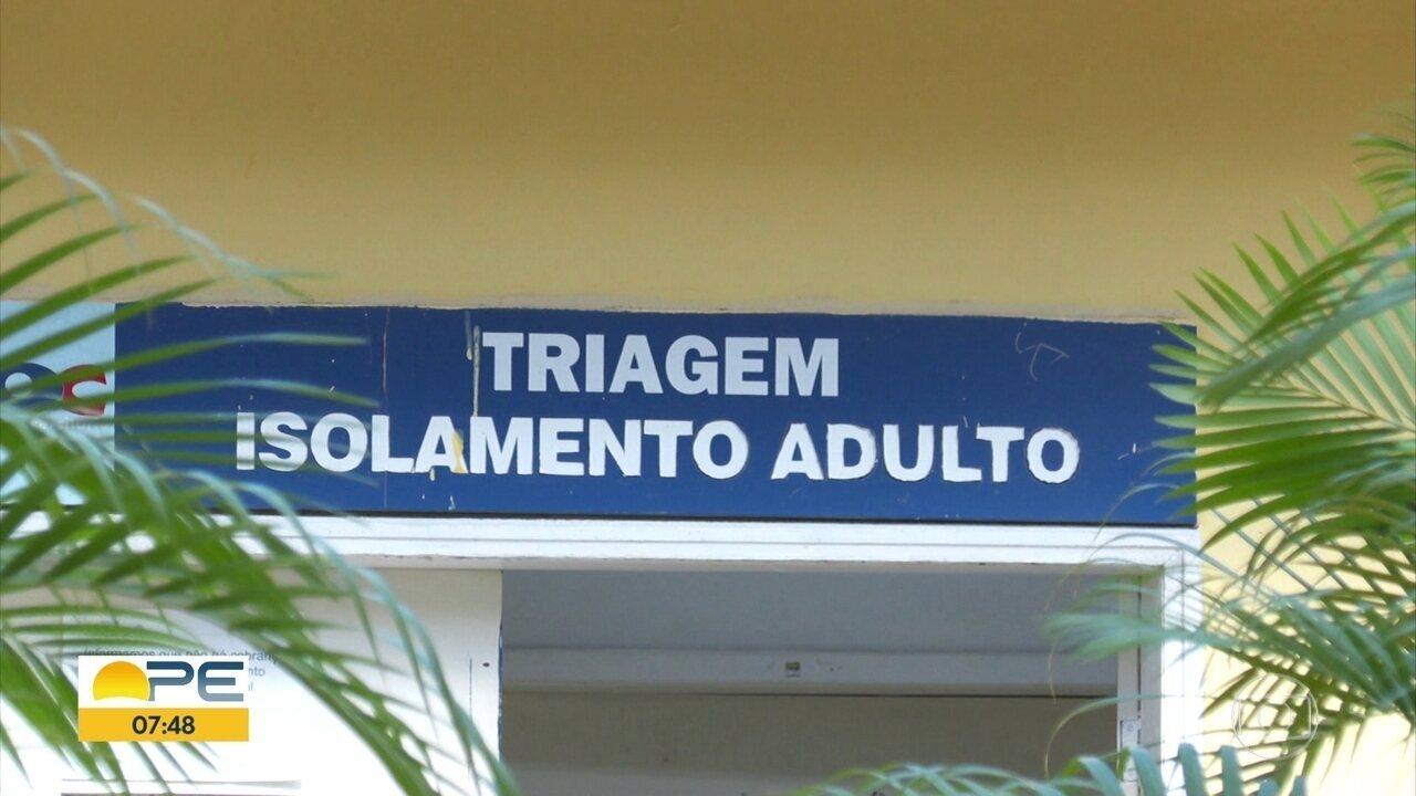 Médico orienta so bre medidas preventivas contra a doença de Chagas