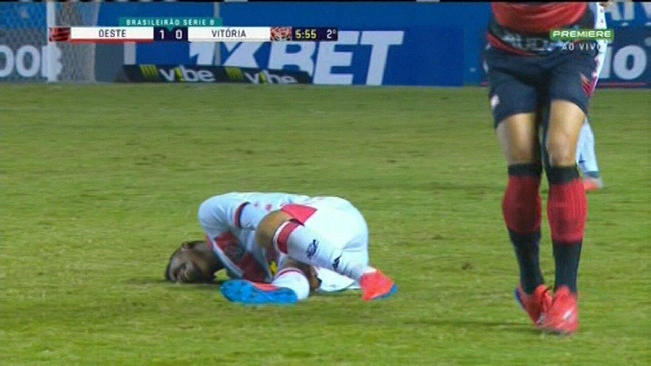 Ruan Levine se machuca e deixa o gramado na derrota para o Oeste