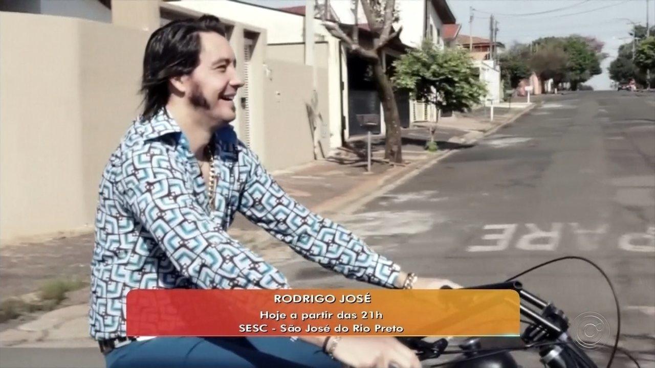 Cantor Rodrigo José se apresenta gratuitamente no Sesc Rio Preto