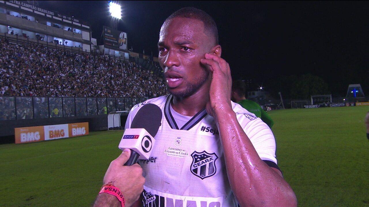 Elogiado, Luiz Otávio fala sobre a dificuldade de jogar em São Januário com torcida do Vasco apoiando