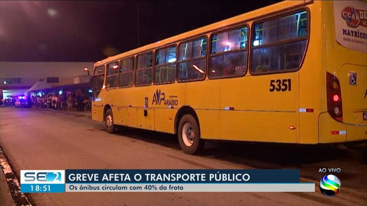 Ônibus do transporte público circulam com 40% da frota devido a protestos em Aracaju