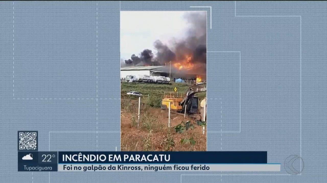 Galpão de companhia de mineração pega fogo em Paracatu; não há feridos