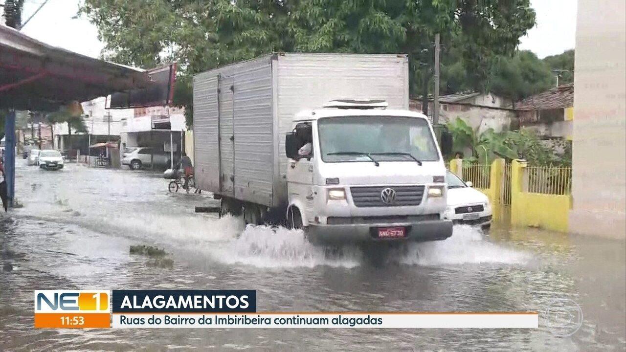 Chuva provoca alagamentos e transtornos a moradores do Grande Recife