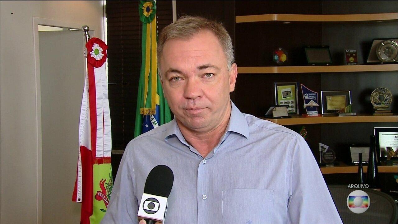 Prefeito de Florianópolis é preso por suspeita de vazamentos