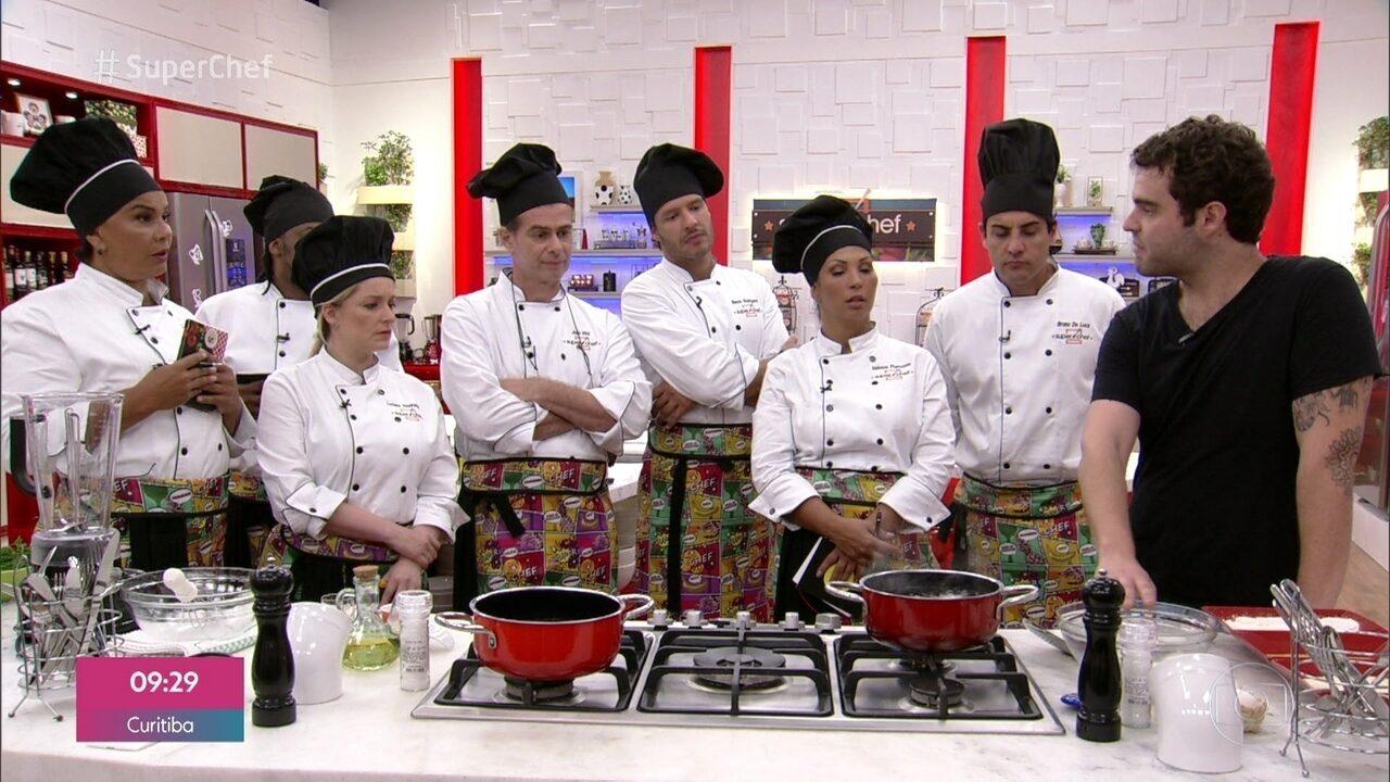 Chef Cesar Costa ensina sobre a versatilidade do ovo no 'Super Chef'