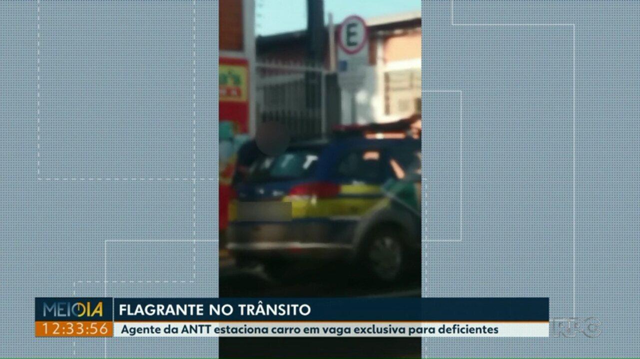 Resultado de imagem para Funcionário da ANTT é flagrado estacionando carro oficial em vaga para deficiente
