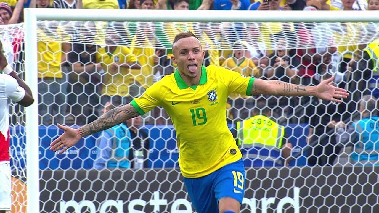 O gol de Everton na goleada sobre o Peru, na primeira fase