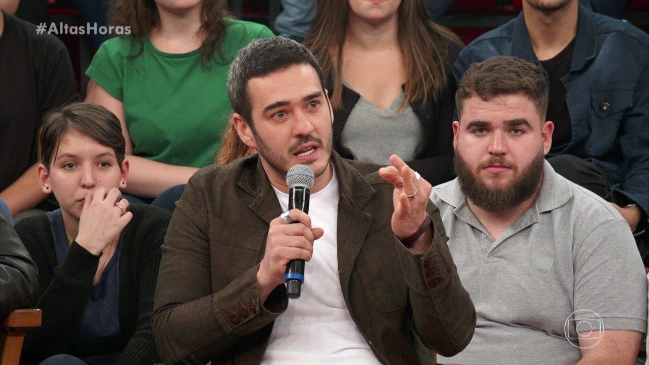 Marcos Veras fala sobre gravar 'Escolinha' e assiste à trecho inédito da sua participação na nova temporada do humorístico