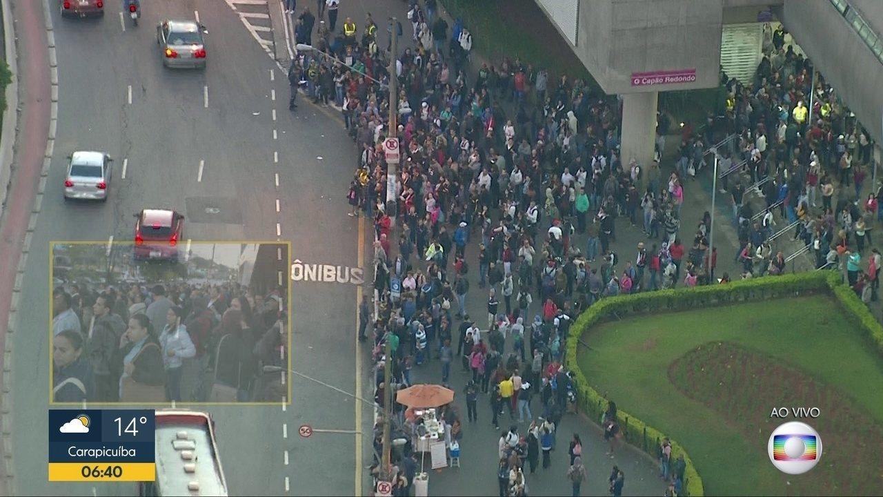 Linha 5 - Lilás amanhece com problemas em São Paulo