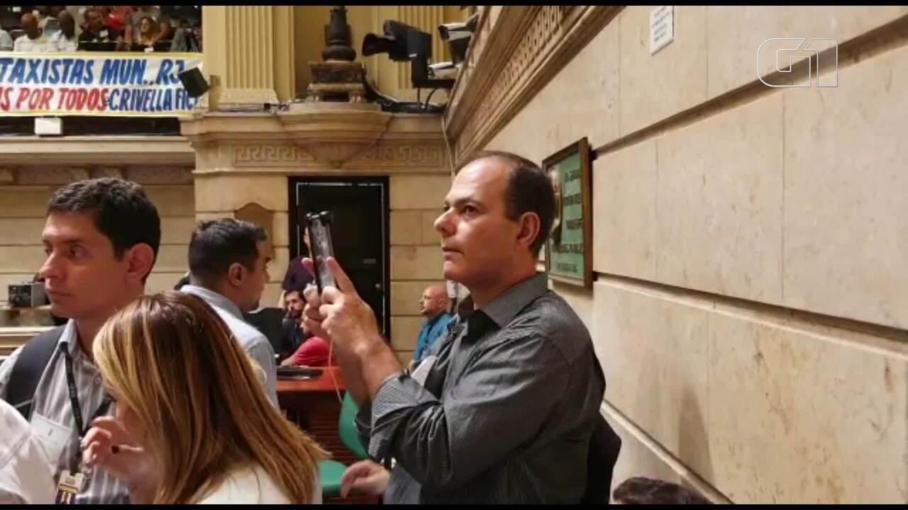 Autor da denúncia contra Crivella estava no plenário e gravou tudo com celular