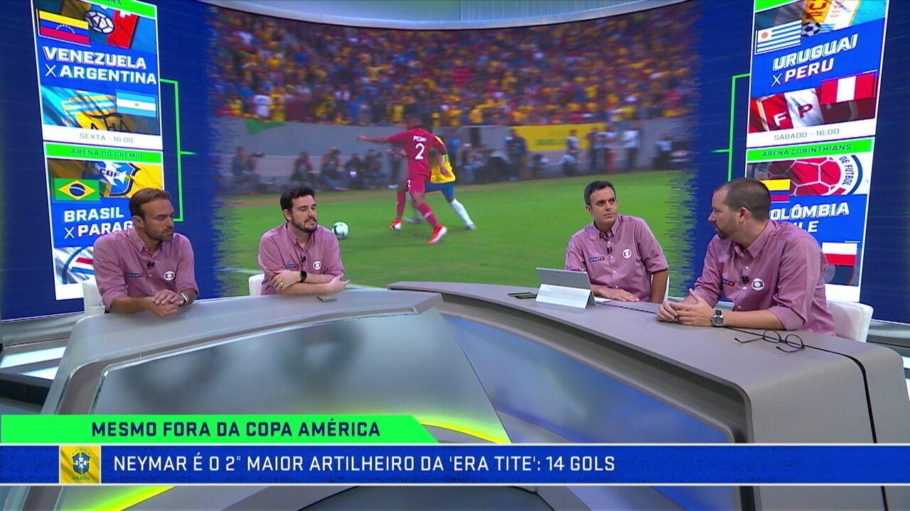 """Comentaristas analisam a entrada de Fernandinho no lugar de Casemiro: """"É a bola de segurança de Tite"""""""