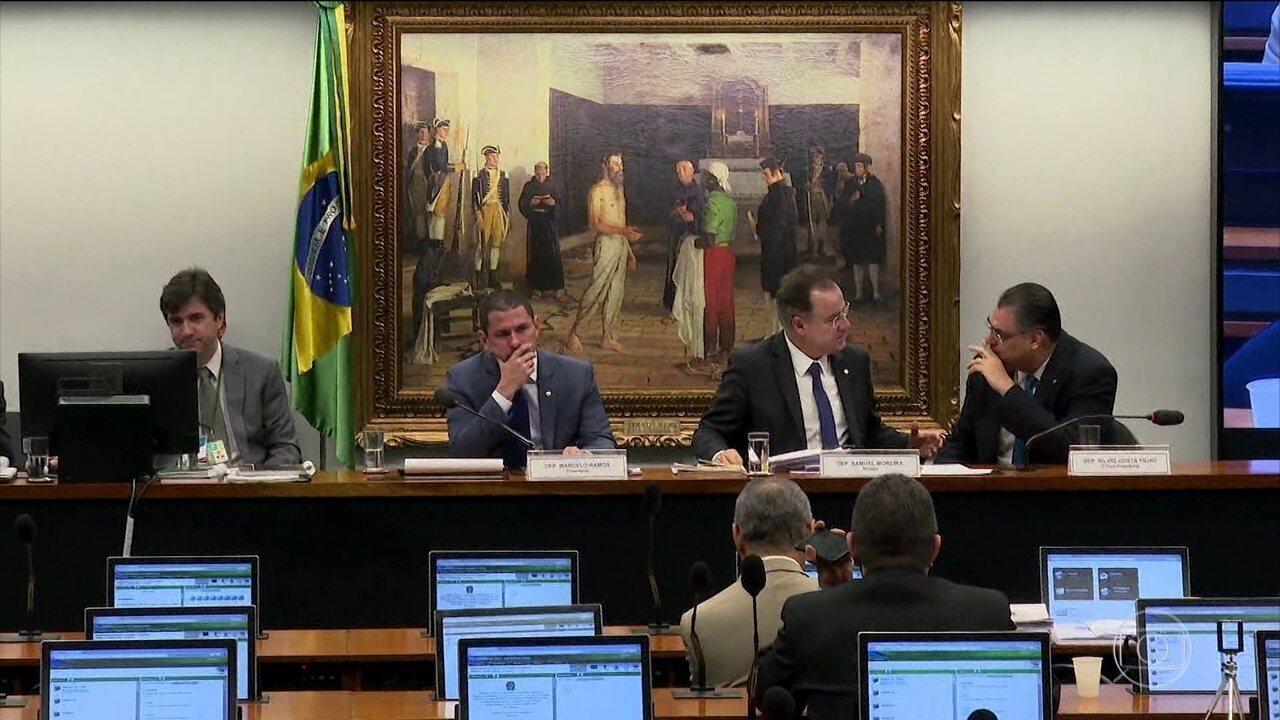 Comissão da Câmara tem dia de debate sobre parecer do relator na reforma da Previdência