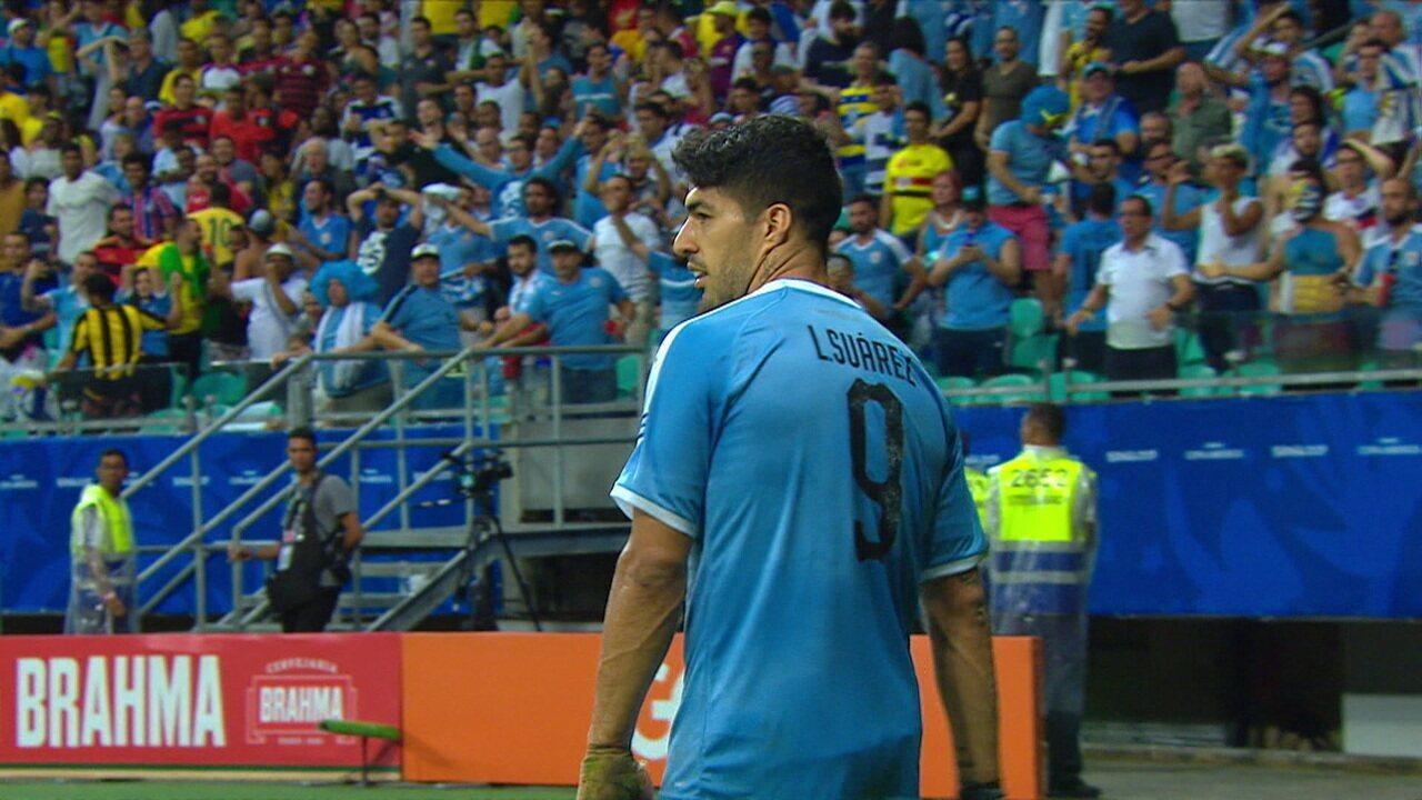 Anulou de novo! Suárez marca com o joelho, mas estava em posição ilegal aos 27 do 2º tempo