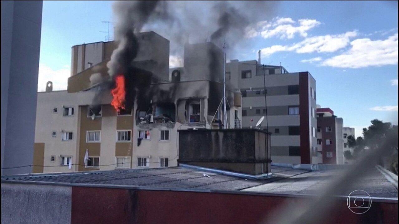 Menino morre ao ser lançado pela janela em explosão de apartamento