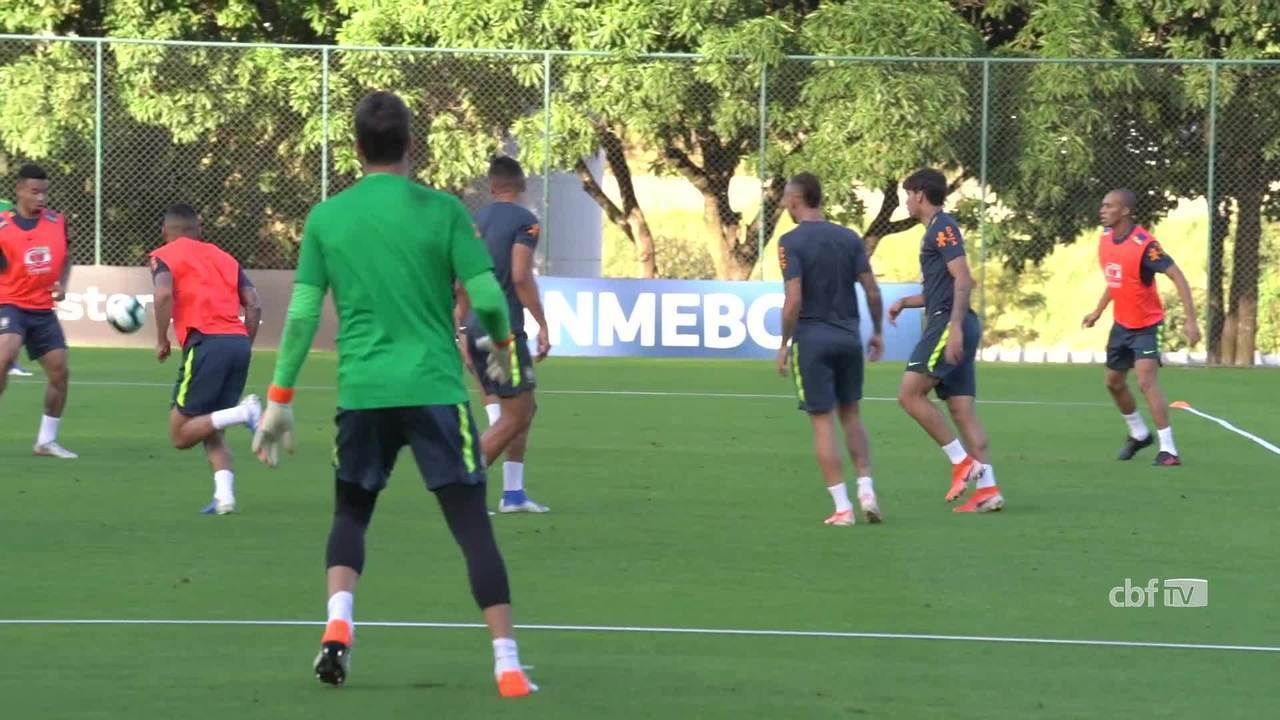 Seleção Brasileira treina na Cidade do Galo