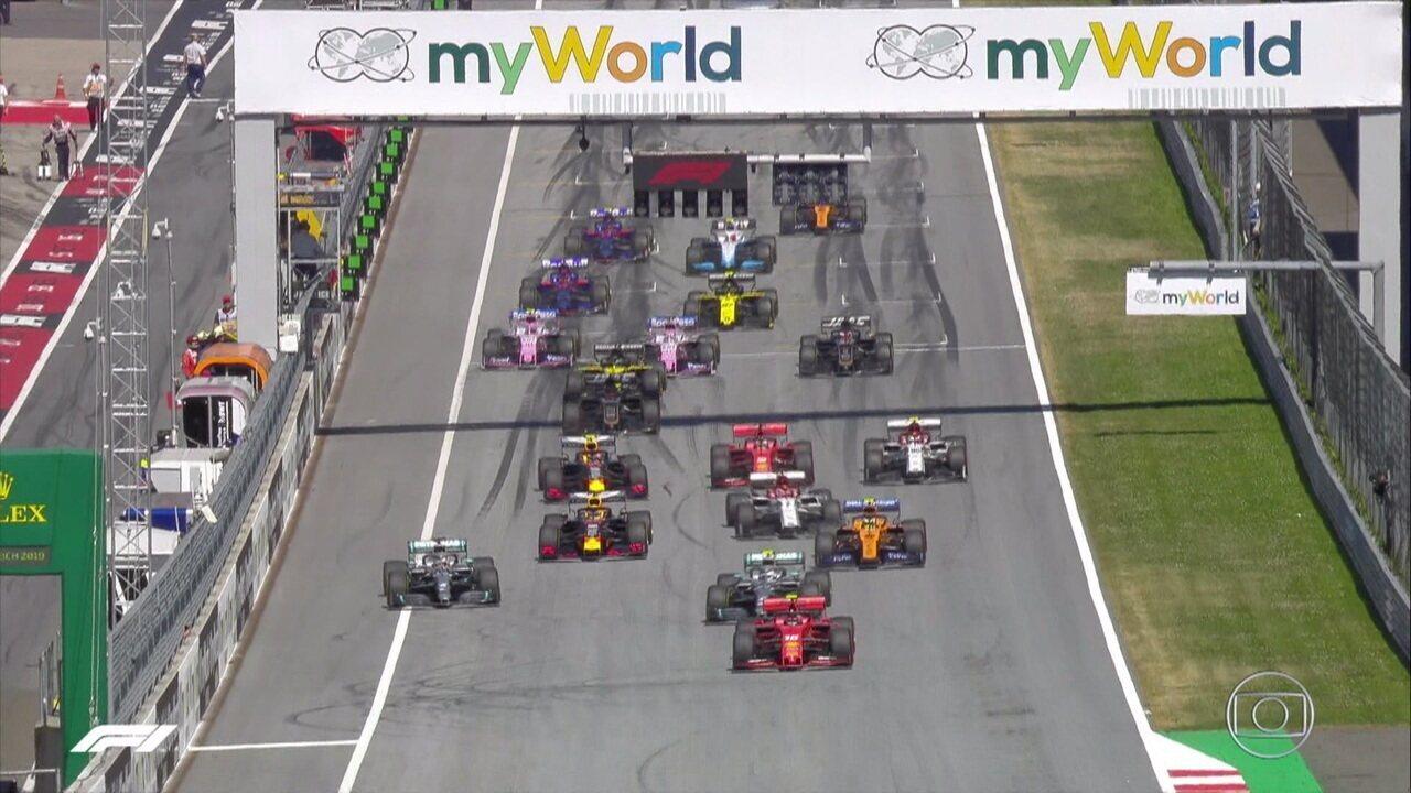 Max Verstappen sai mal e perde posições na largada do GP da Áustria