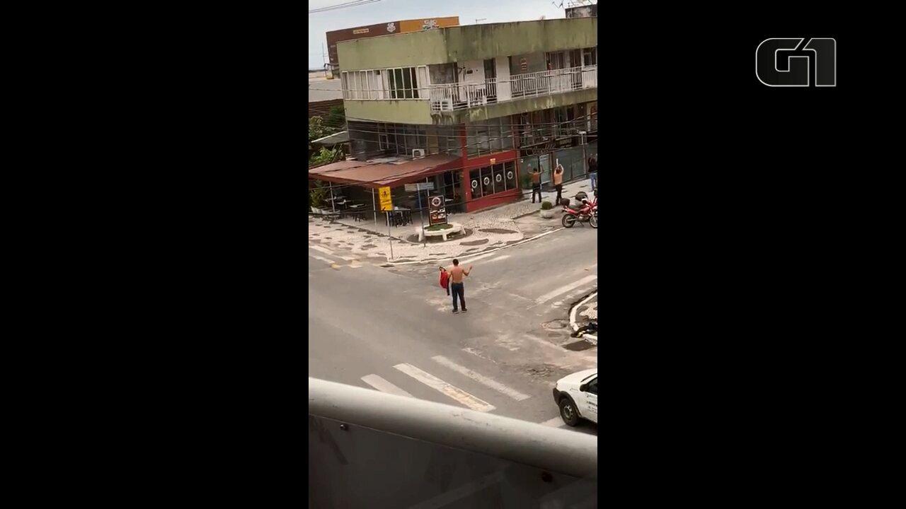 Homens armados fazem reféns em assalto a banco, em Matinhos